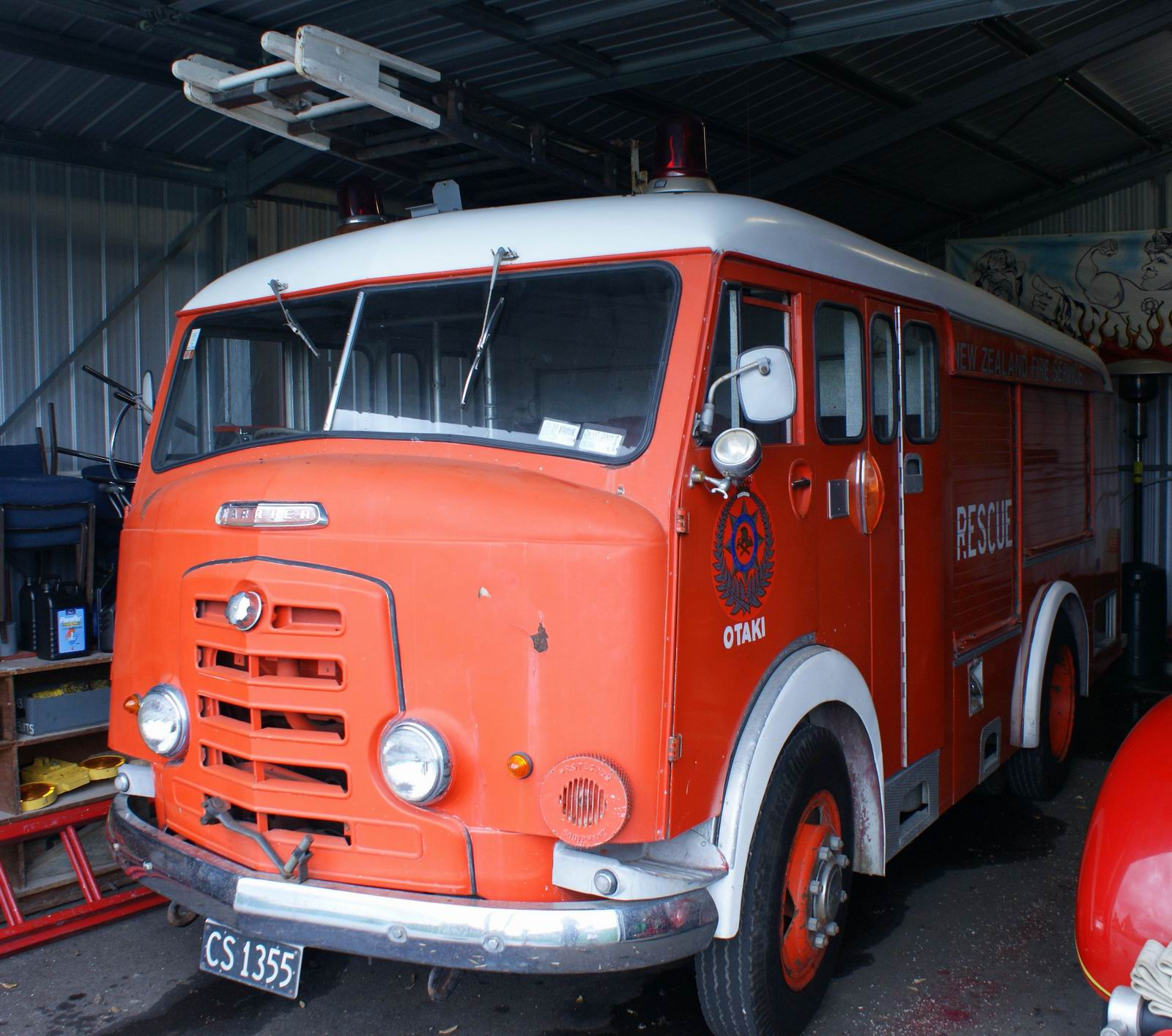 http://www.111emergency.co.nz/FIRE/Vintage/1960s/CS1355.JPG